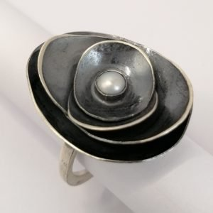 Silver Rings - 5mm White Freshwater Pearl with Oxidized Ovals