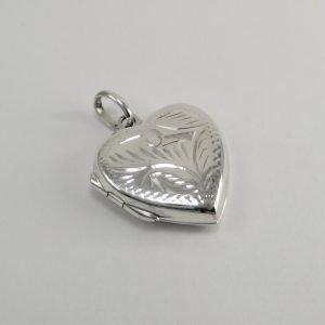Silver Pendants - 19mm Engraved Heart Locket