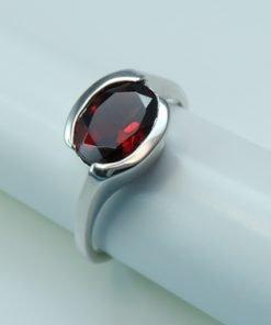 Silver Rings - 9x7mm Garnet Tension Set