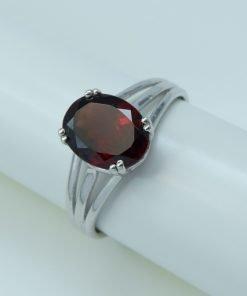 Silver Rings - 9x7mm Oval Garnet Split Shank