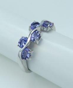 Silver Rings - 4x3mm Oval Tanzanite Wave